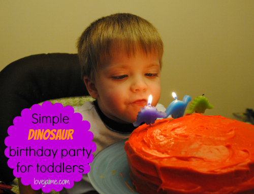 Simple, fun dinosaur birthday party