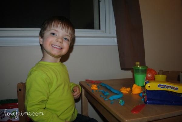 toddler-playdoh