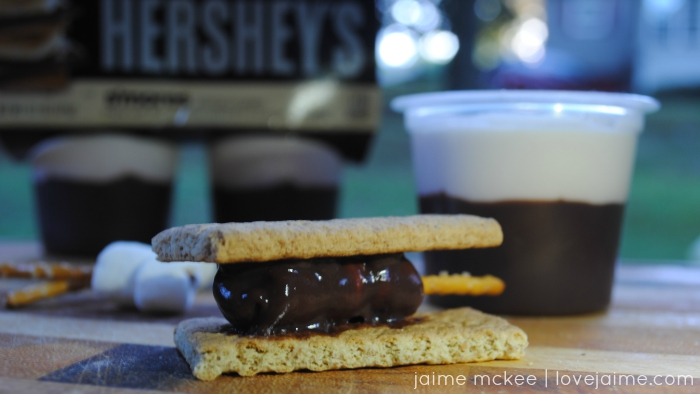 Campfire S'mores with Hershey's Ready to Eat Pudding #ReadySetSnack  #cbias #ad