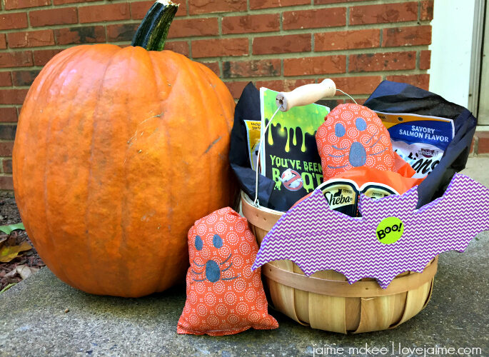 BOO your favorite cat – in a good way! #BooItForward #PawfectBOO #ad