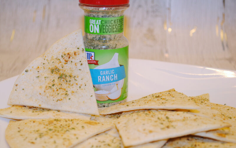 Baked Garlic Ranch Chips – ready in 10 minutes! #LeaveBlandBehind #ad