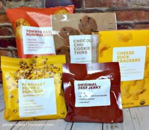 Snacking with Brandless: A review of Organic Cheese Duck Crackers
