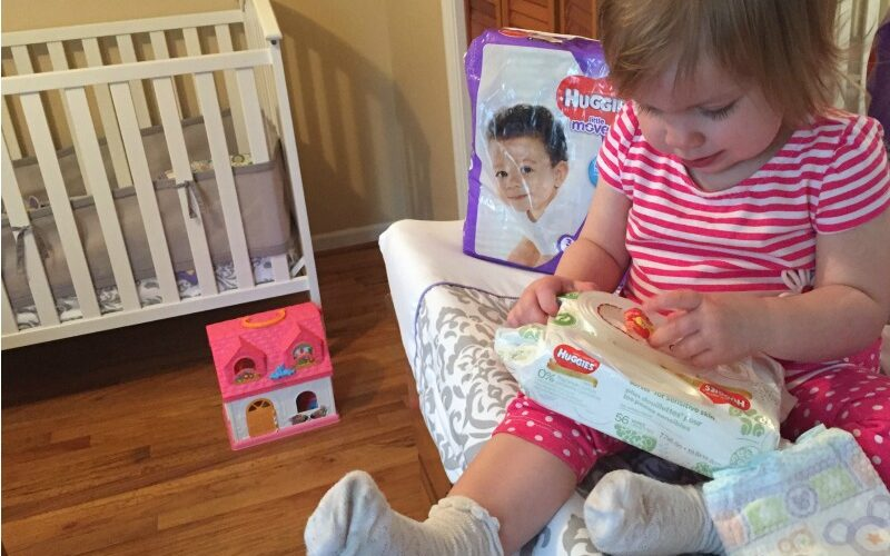 No baby unhugged: How Huggies is helping with diaper need #NoBabyUnhugged #ad
