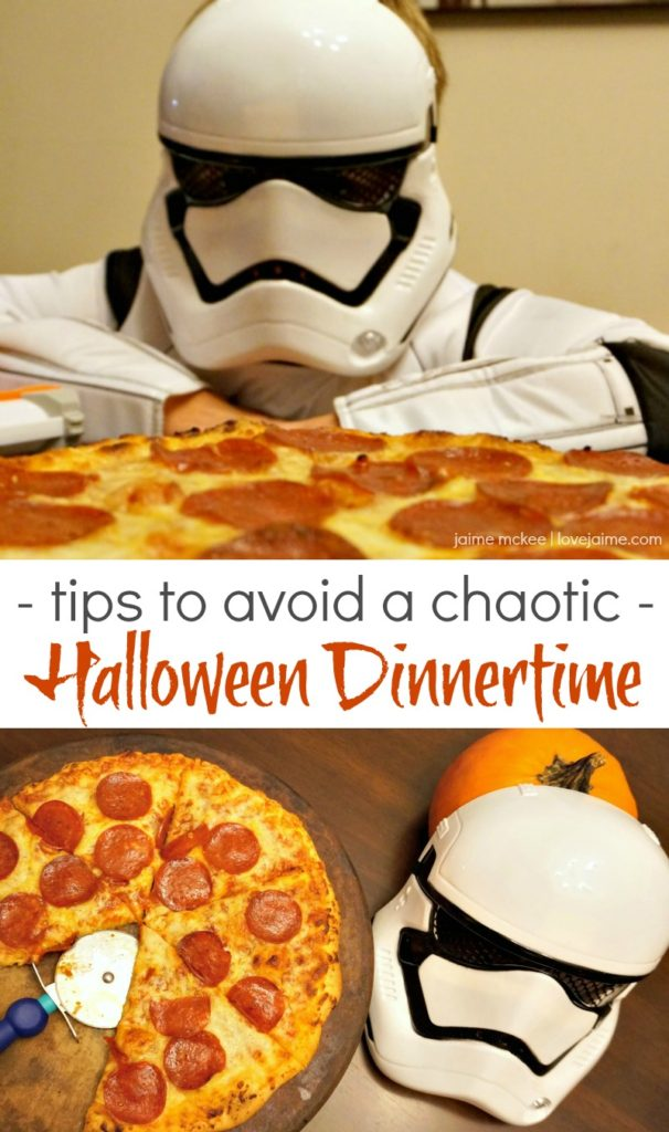 Halloween should be a fun time, not stressful. Here are a few tips to avoid the Halloween dinnertime chaos. (It involves pizza!) #NeverFlySolo #ad