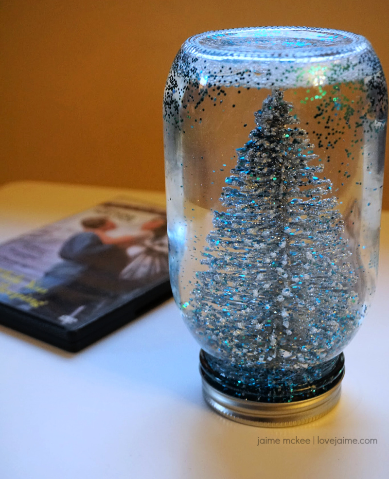 How To Make A Mason Jar Snow Globe Super Easy Diy Snow Globe