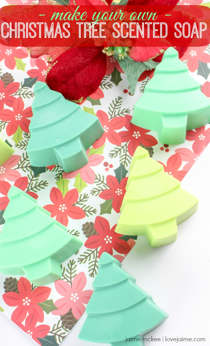 This Christmas tree scented soap is so cute and simple to make! It would make a fun gift or to have in your bathroom during this holiday season. #diy #Christmas #essentialoils
