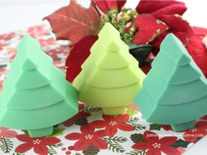 How to make Christmas tree scented soap