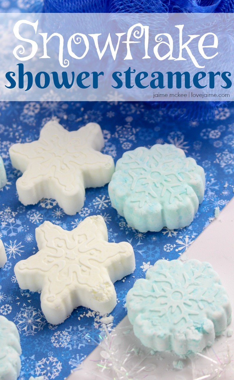 Easy to make peppermint Snowflake Shower Steamers. The steam from the shower will help activate the steamer and release the uplifting and energizing aroma of peppermint! #essentialoils #diy #showersteamers