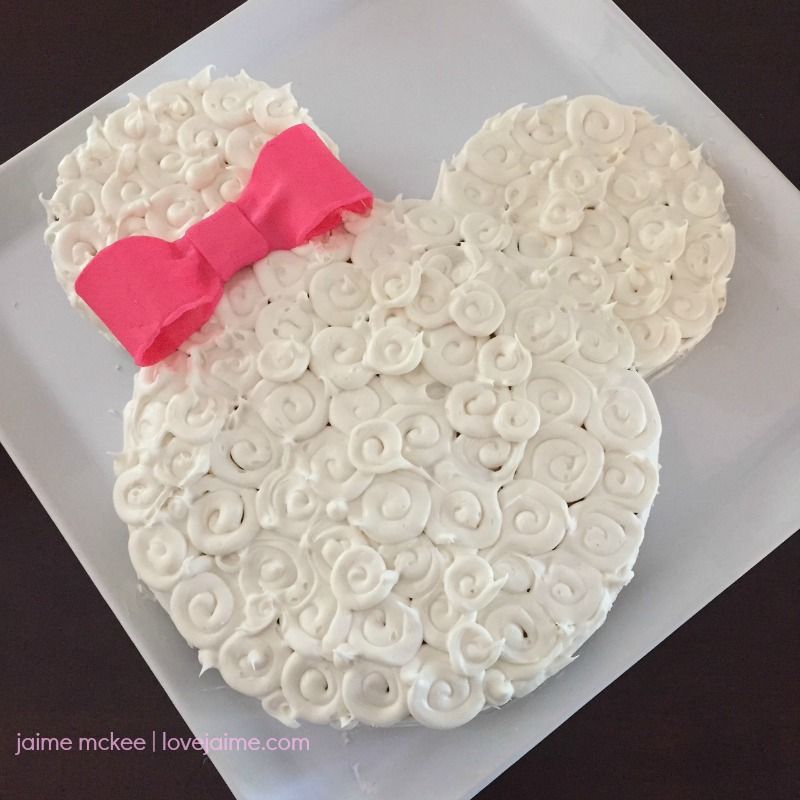 DIY Minnie Mouse Cake
