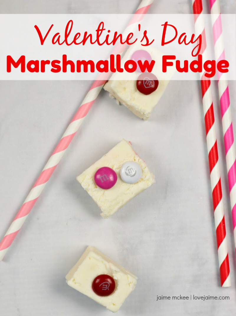 Marshmallow Fudge perfect for Valentine's Day! Would make a great treat to send in for teachers to share, package for a friend or take a plate into work. #ValentinesDay #fudge #recipe