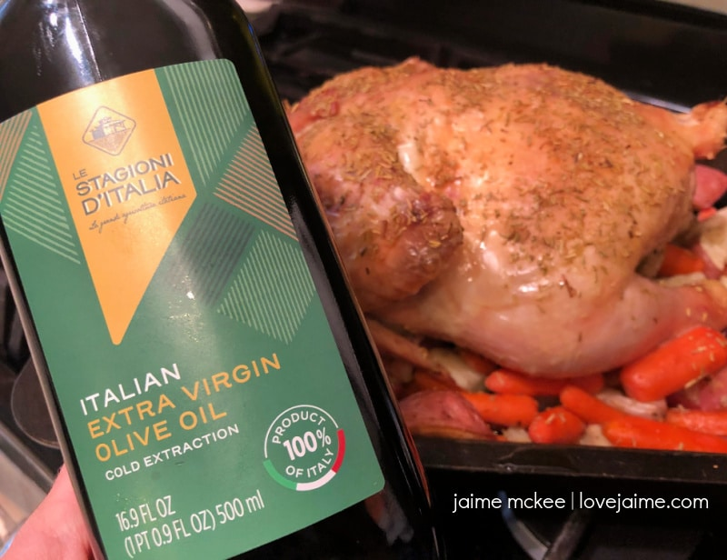 Roast chicken with vegetables is an easy dinner for the family!